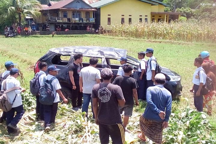 Mobil Terbalik, 8 Mahasiswa UMI Dirawat di Puskesmas Panaikang