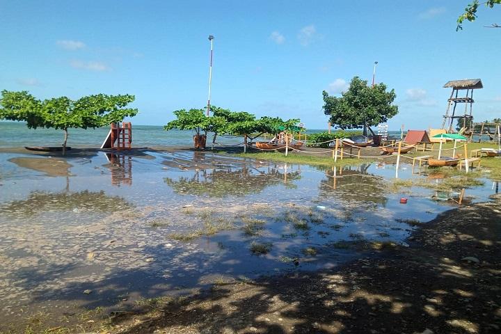 Pantai Mallenreng Terkena Dampak Fenomena Siklon I Sinjai Info
